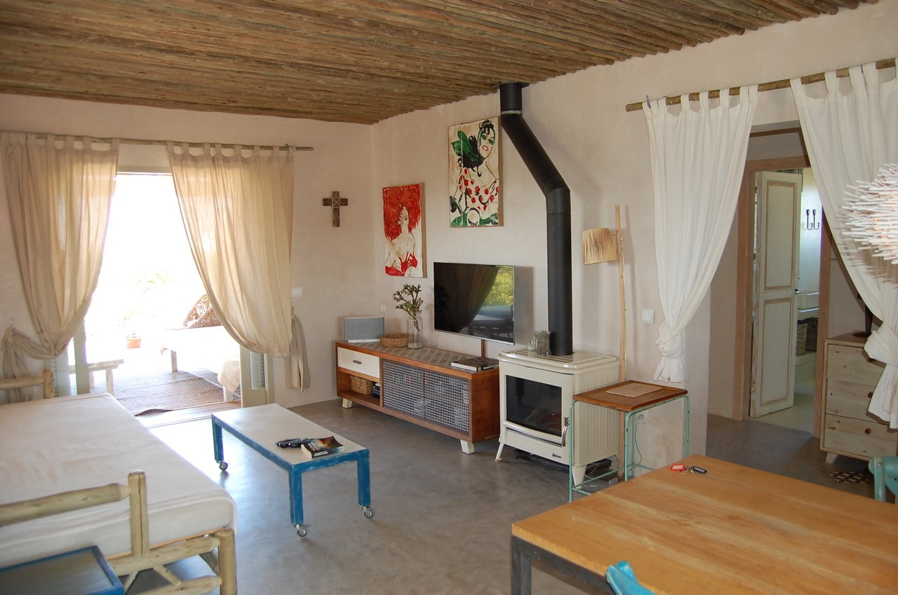 House with sea views in Formentera with great sea views for rent